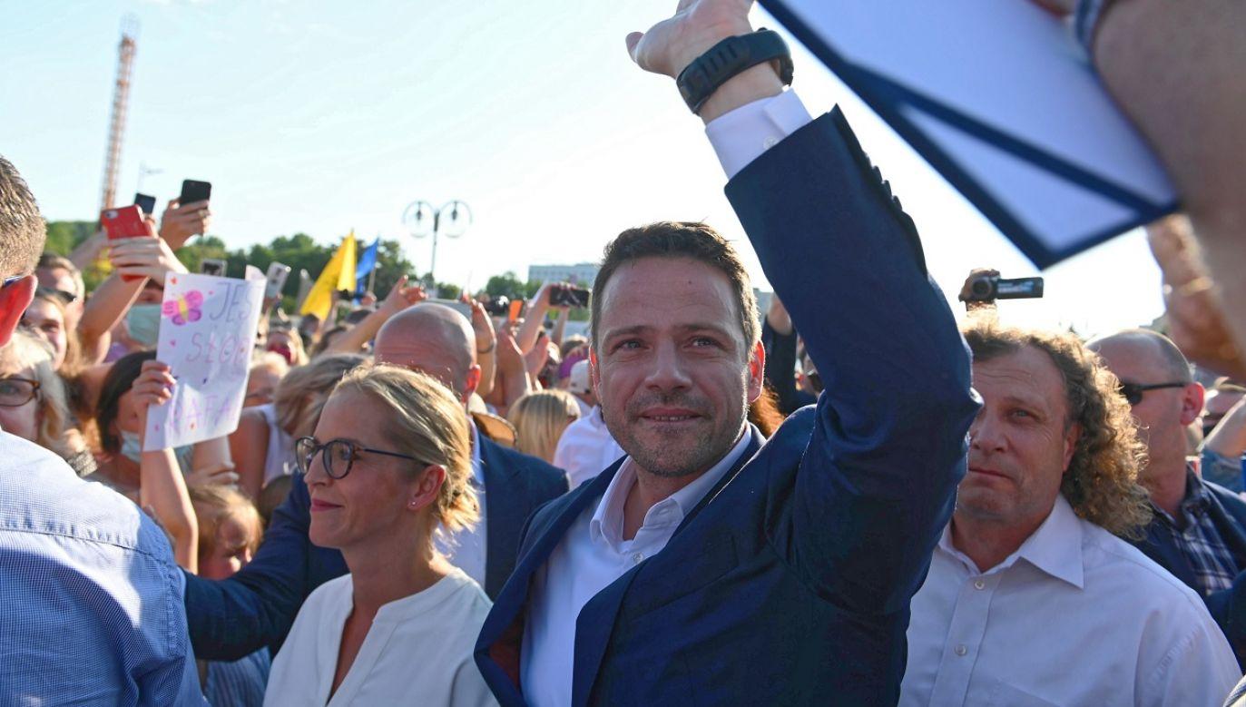 """Podróbka """"Solidarności"""" ma posłużyć Rafałowi Trzaskowskiemu do realizacji trywialnych, partykularnych interesów jednego ugrupowania.  (fot. PAP/Jan Dzban)"""