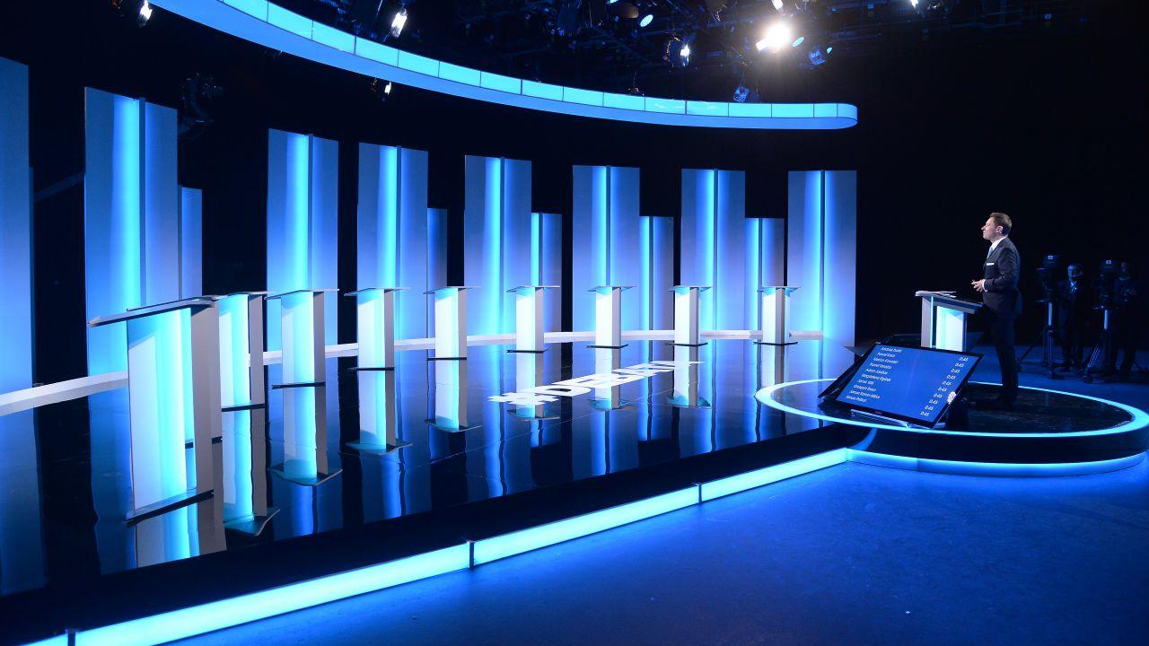 Studio przed debatą prezydencką w maju br.; spotkanie poprowadził Krzysztof Ziemiec (fot. TVP/Ireneusz Sobieszczuk)