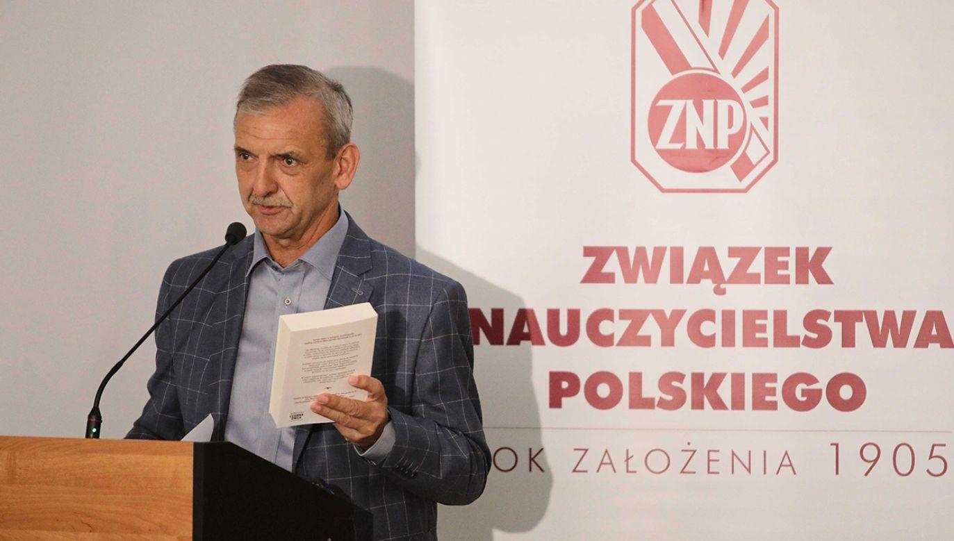 Sławomir Broniarz twierdzi, że od środy będzie protest włoski w szkołach. (fot. arch. PAP/Wojciech Olkuśnik)