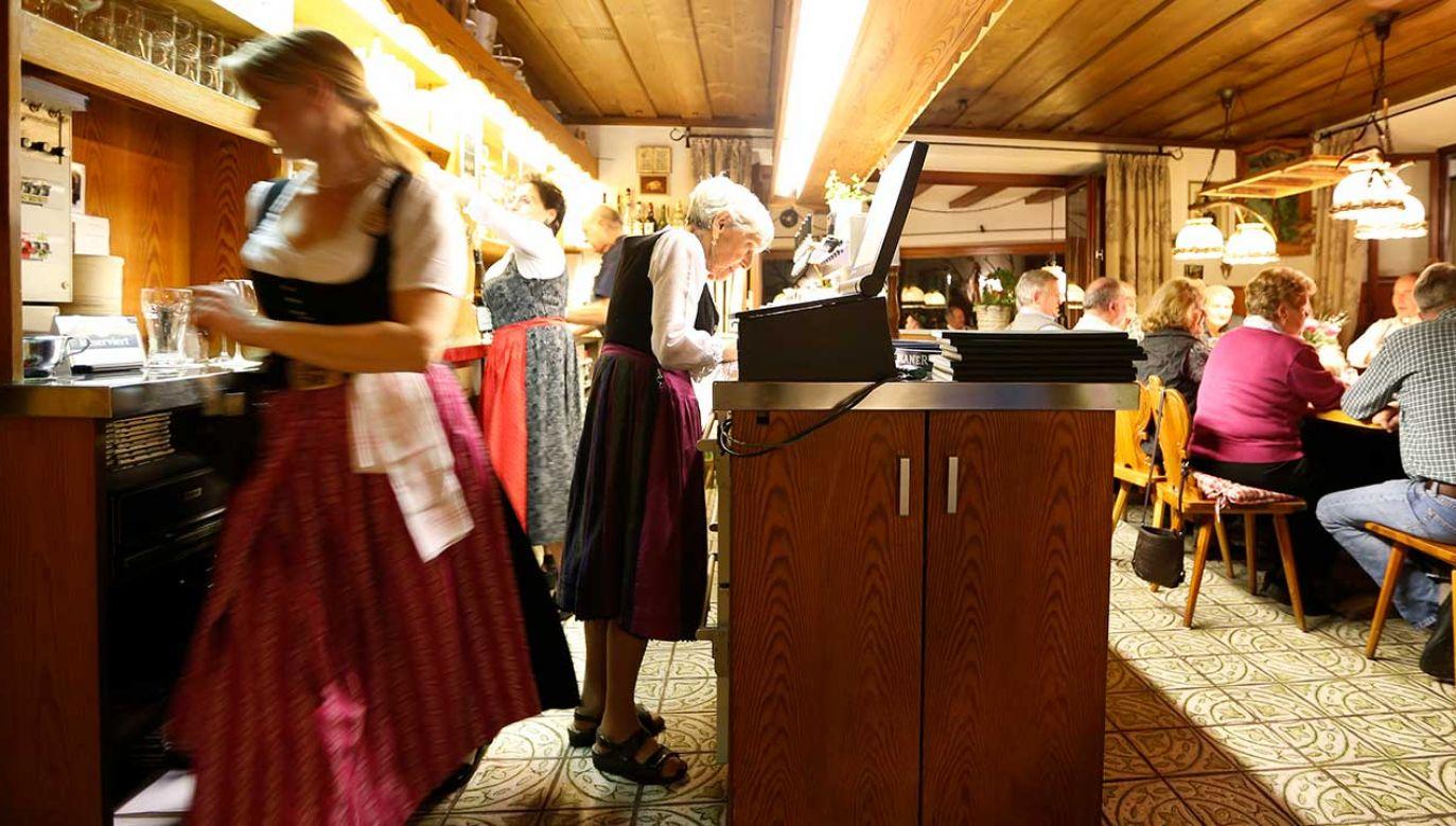 Niemcy mają pracować dłużej ze względu na zapaść systemu emerytalnego (fot. REUTERS/Michaela Rehle)