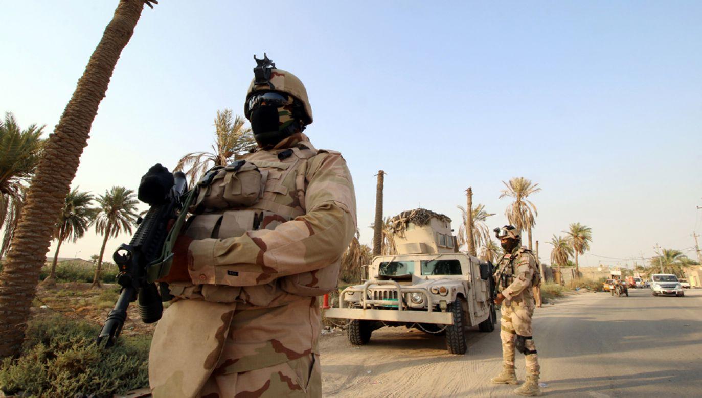 Bomba w minibusie eksplodowała, gdy ten przejeżdżał przez punkt kontrolny irackiej armii między Karbalą z miastem Al-Hilla (zdjęcie ilustracyjne) (fot. REUTERS/Essam Al-Sudani)