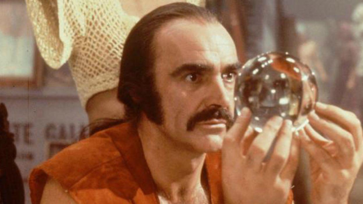 """Rola w """"Zardoz"""" zdecydowanie odbiegała od kreacji Jamesa Bonda, jednak Connery świetnie odnalazł się w świecie z 2293 roku (fot. TVP)"""