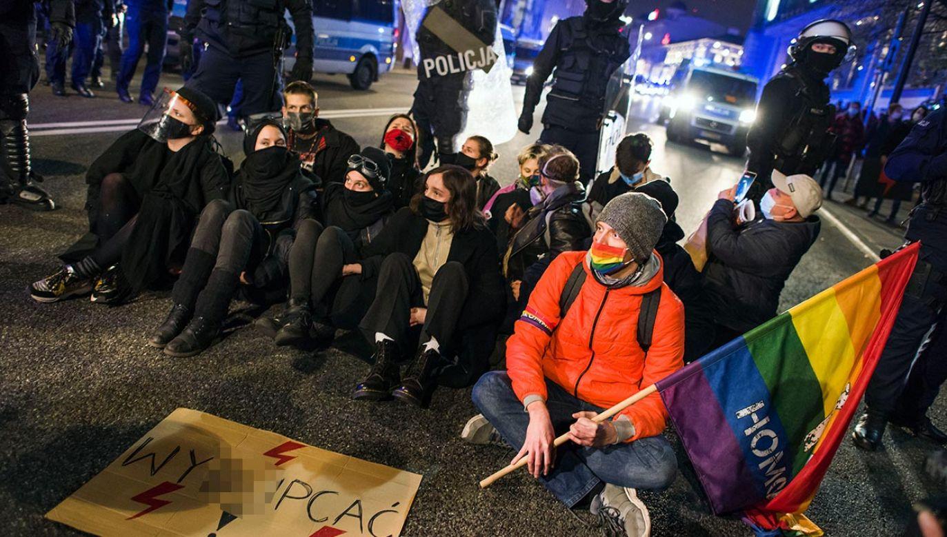 Często da się słyszeć: nie wychodziłyśmy na ulicę dla radykalnych feministek (fot.Getty Images/LightRocket/Attila Husejnow/SOPA Images)