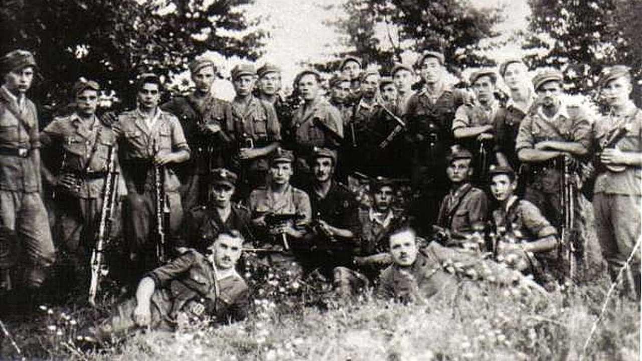 """Żołnierze Henryka Lewczuka """"Młota"""" (pierwszy z lewej) kontynuowali walkę przeciwko sowieckim okupantom (fot. IPN)"""