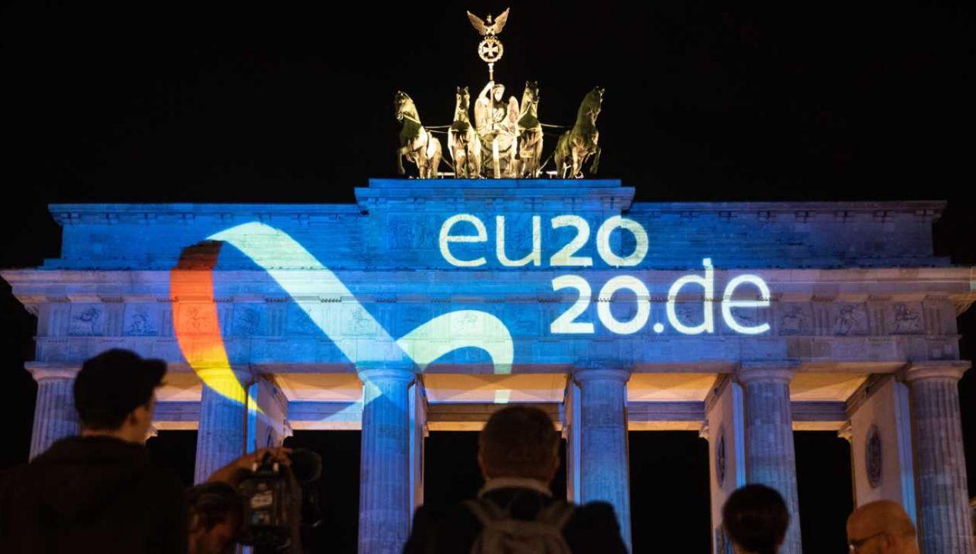 Niemcy będą przewodzić Unii przez kolejne pół roku (fot. PAP/EPA/HAYOUNG JEON)