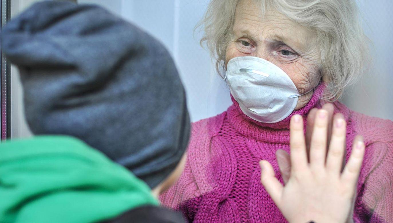 Wzrost liczby przypadków zakażenia koronawirusem obserwowany jest w całej Europie (fot. Shutterstock/Alonafoto)