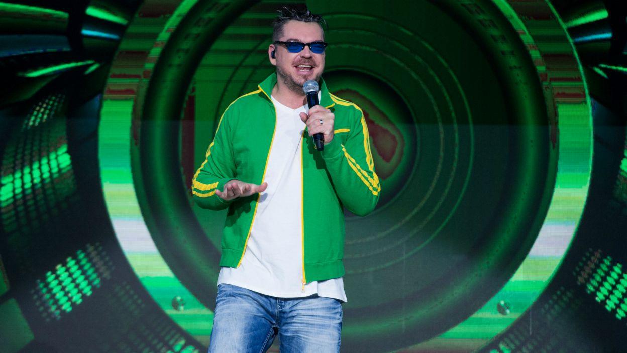 """Na scenie pojawił się właśnie Danzel, który przebojowo wykonał utwór """"Pump It Up"""" ( fot. TVP)"""