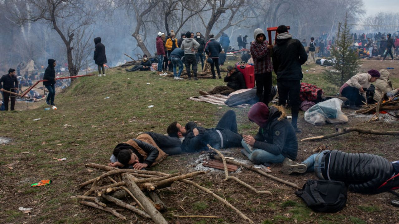 Migranci na granicy tureckiej (fot. Erhan Demirtas/NurPhoto via Getty Images)