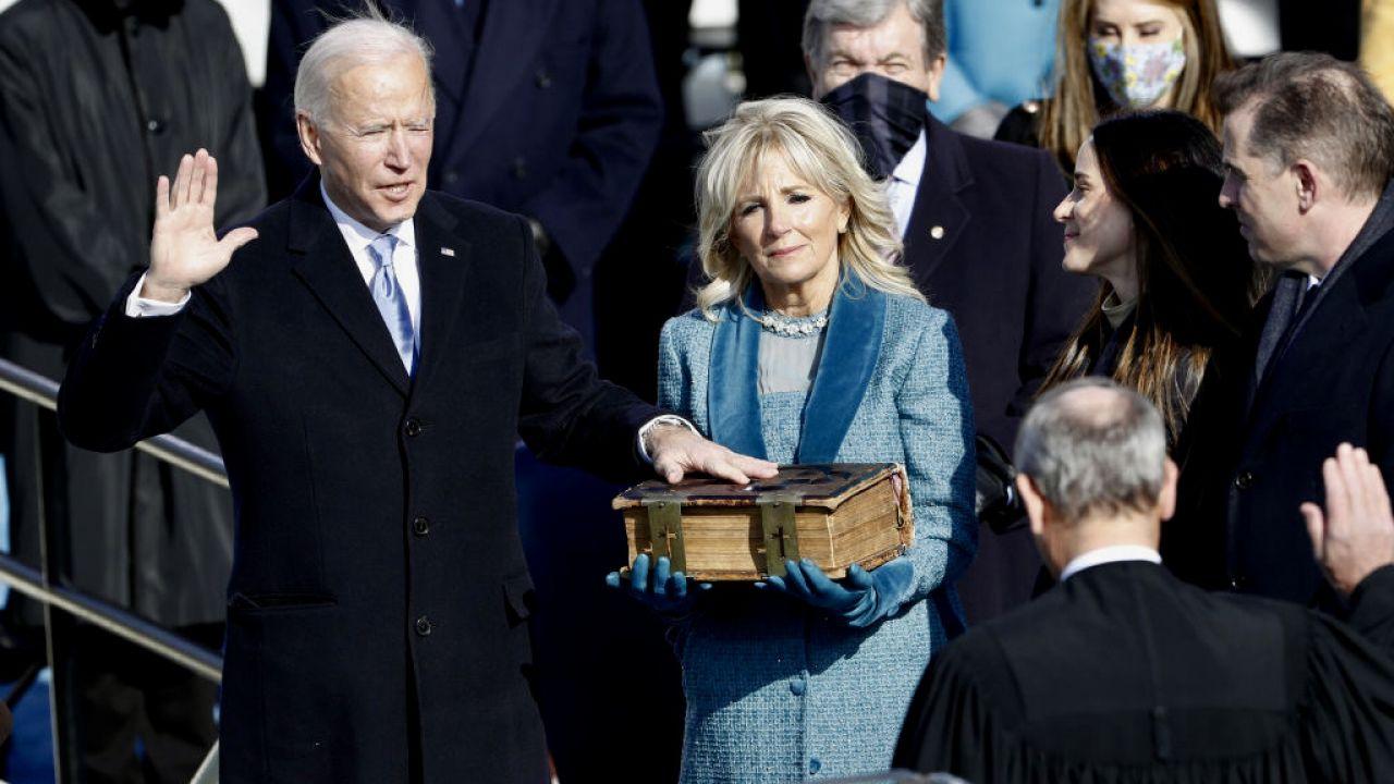 Joe Biden został zaprzysiężony na prezydenta USA (fot. Daniel Acker/Bloomberg/Getty Images