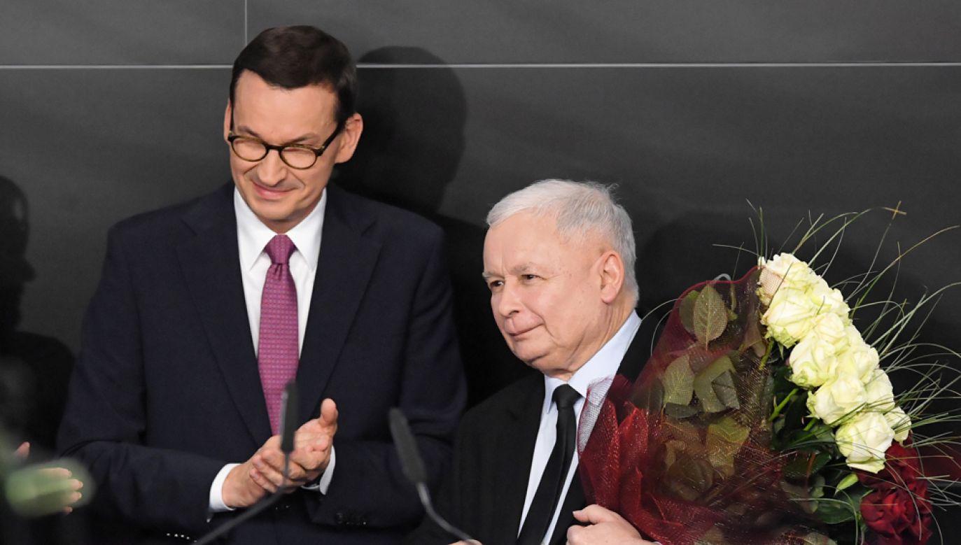 Prezes PiS Jarosław Kaczyński i premier Mateusz Morawiecki w sztabie wyborczym Prawa i Sprawiedliwości (fot. PAP/Radek Pietruszka)