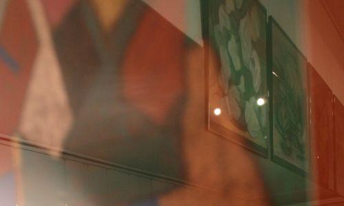"""Na wystawie w warszawskiej Galerii Grafiki i Plakatu znalazły się również rzadko prezentowane obiekty z Cyklu """"Smutki"""". Fot. PAP/Bartłomiej Zborowski"""