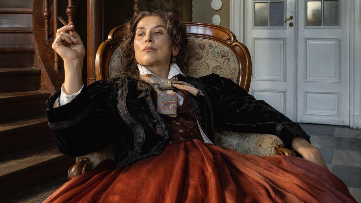 W roli Georges Sand, skandalizującej francuskiej pisarki, wystąpiła Katarzyna Herman (fot. Zuza Szamocka/TVP)