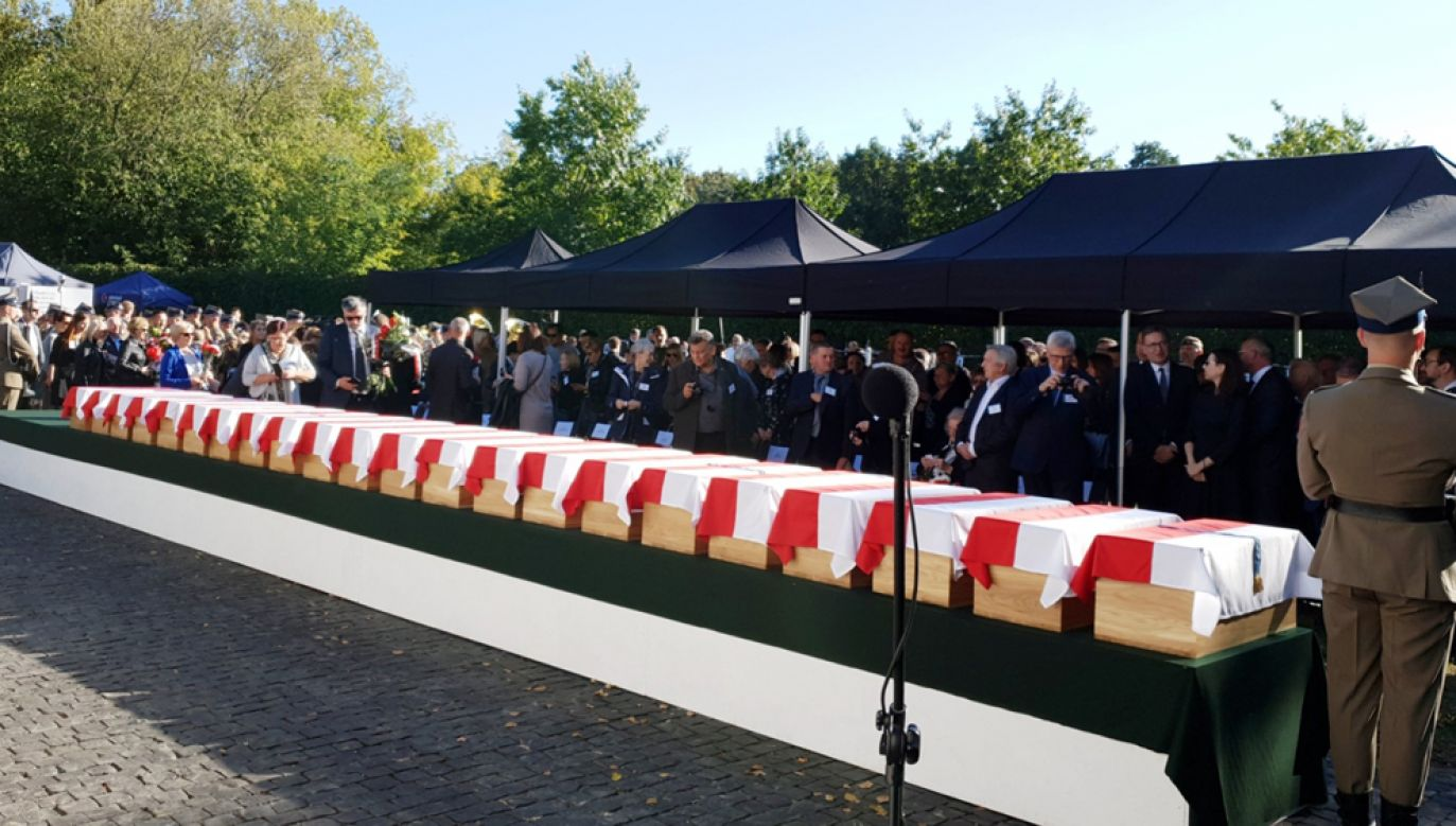 22. Żołnierzy Niezłomnych zostanie pogrzebanych z wojskowymi honorami na warszawskich Powązkach (fot. Twitter / @ipngovpl)