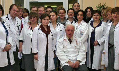 Zespół pracowników Kliniki Pediatrii, Gastroenterologii Dziecięcej i Alergologii w roku 2010.  Fot. archiwum MK
