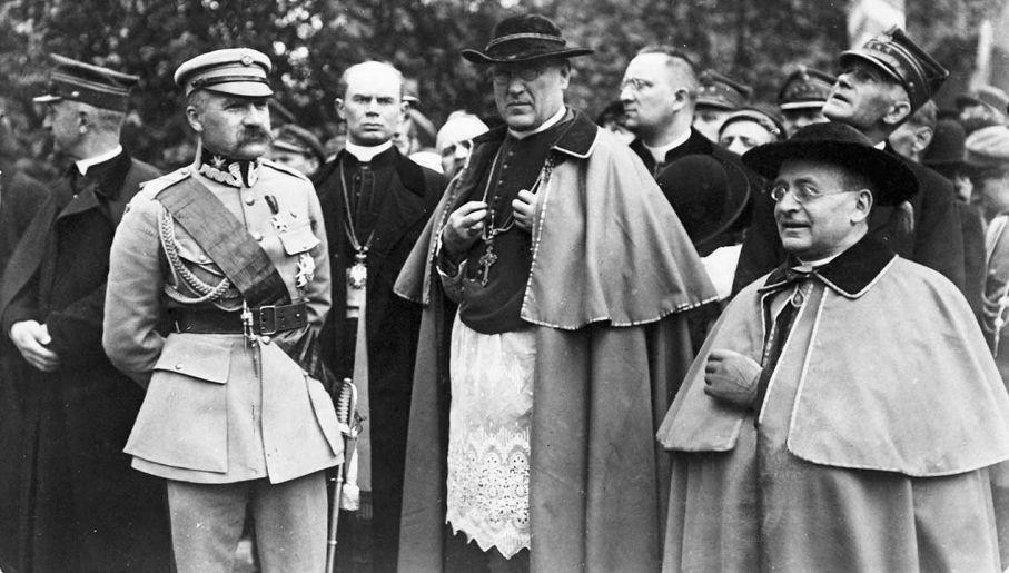 Kiedy Polska odzyskała niepodległość, Achilles Ratti, po wręczeniu dokumentów uwierzytelniających na ręce głowy państwa Józefa Piłsudskiego, został akredytowany jako pierwszy po latach niewoli nuncjusz apostolski w Polsce (fot. arch. PAP/Alamy)