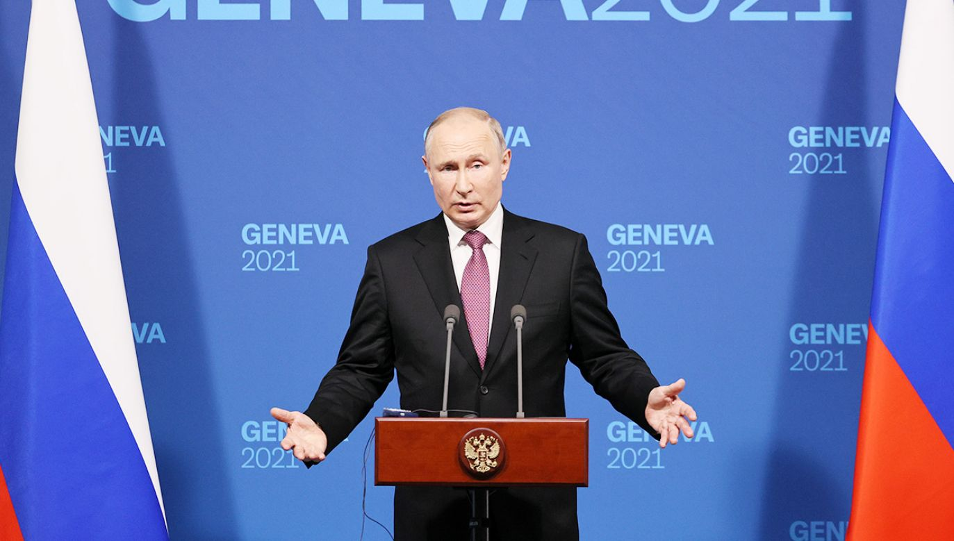 Prezydent Putin spotkał się z dziennikarzami po rozmowie z prezydentem Bidenem (fot. Sergei Bobylev\TASS via Getty Images)