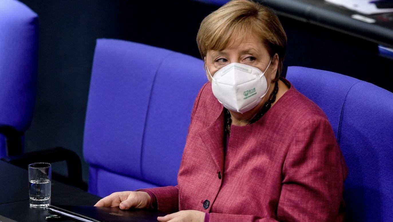 Wnioskodawcy i lewicowa frakcja parlamentarna głosowali za inicjatywą (fot. PAP/EPA/FILIP SINGER)