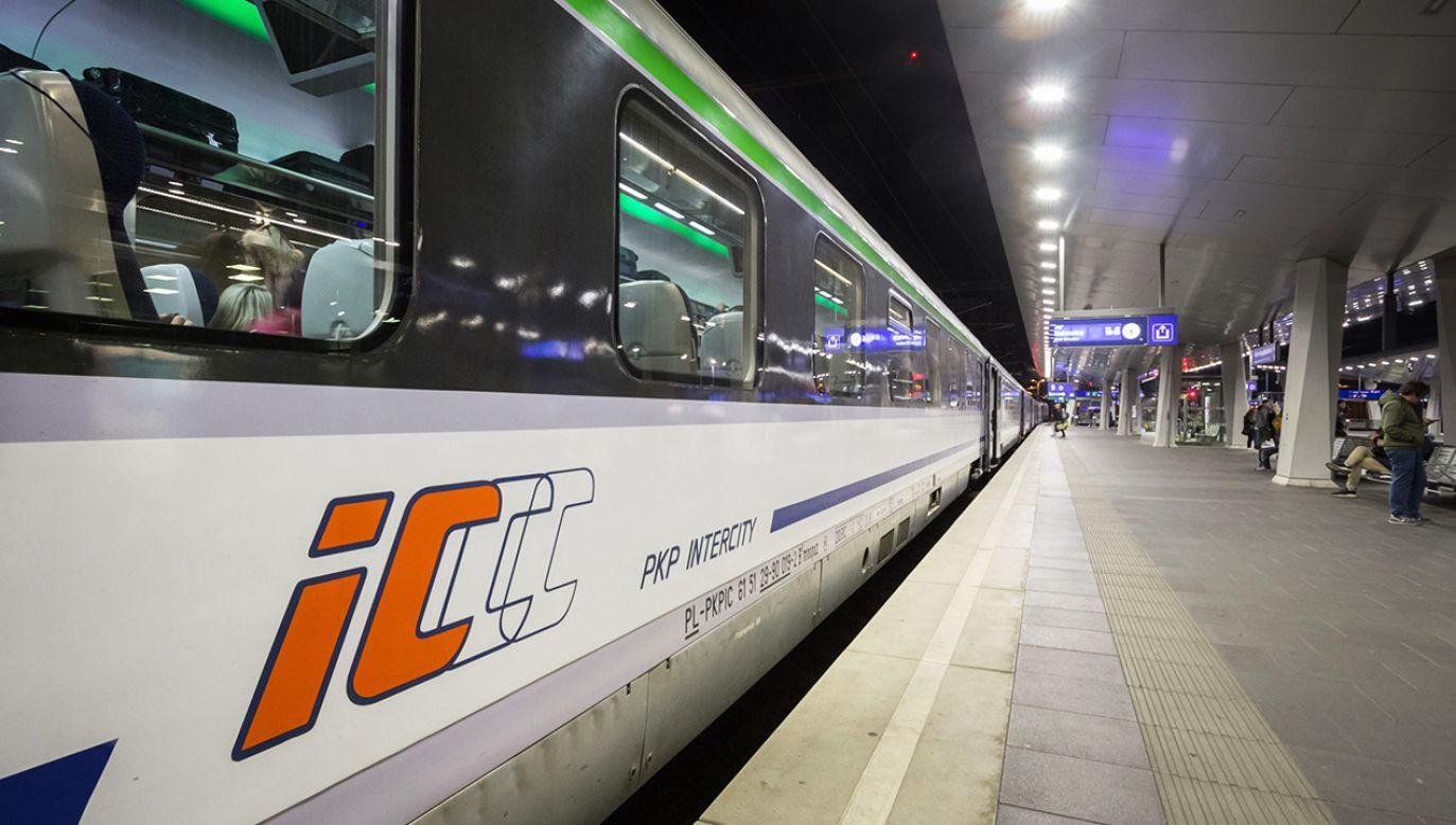 Czas przejazdu najszybszym pociągiem po zmodernizowanym torze wyniesie ok. 2 godz. 16 minut (fot. Shutterstock/BalkansCat)