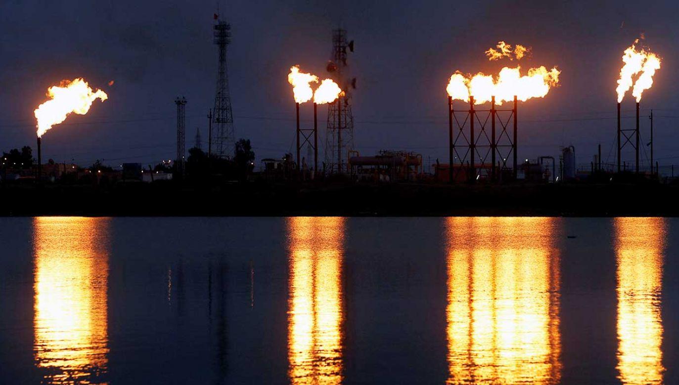 Sobotnie ataki na dwie instalacje saudyjskiego koncernu Aramco spowodowały wstrzymanie produkcji ropy o ok. 50 proc. (fot. REUTERS/Essam Al-Sudani)