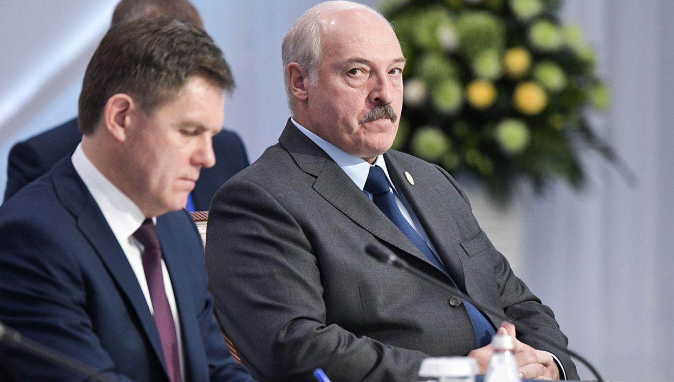 Wicepremier Białorusi Ihar Pietryszenka  (L) i prezydent Białorusi Aleksander Łukaszenko (P) (fot. Alexei Nikolsky\TASS via Getty Images)