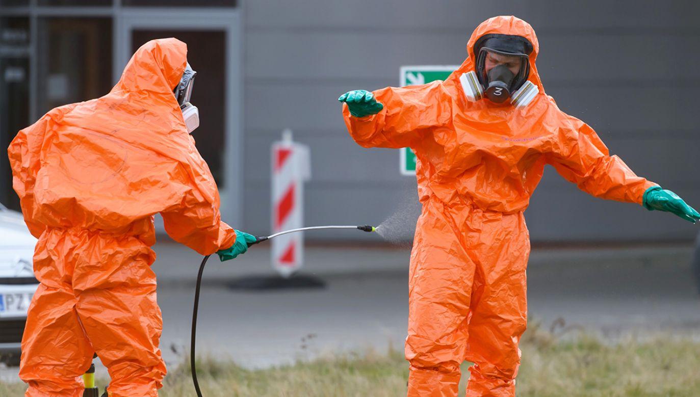Liczba osób zakażonych wzrosła do 411 (fot. PAP/Jakub Kaczmarczyk)