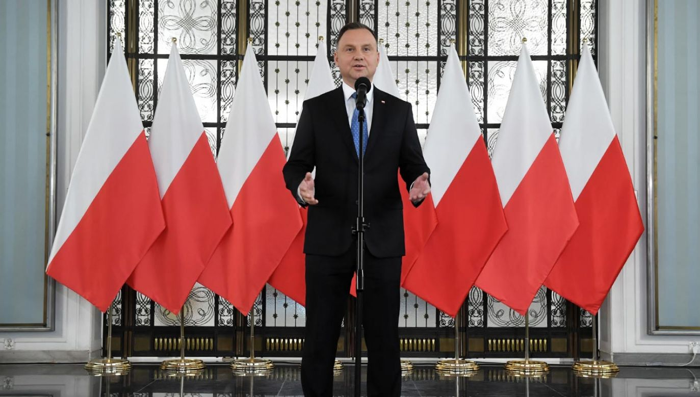 Prezydent Andrzej Duda przypomniał, że dziś przypada również rocznica odwołania rządu Jana Olszewskiego (fot. PAP/Radek Pietruszka)