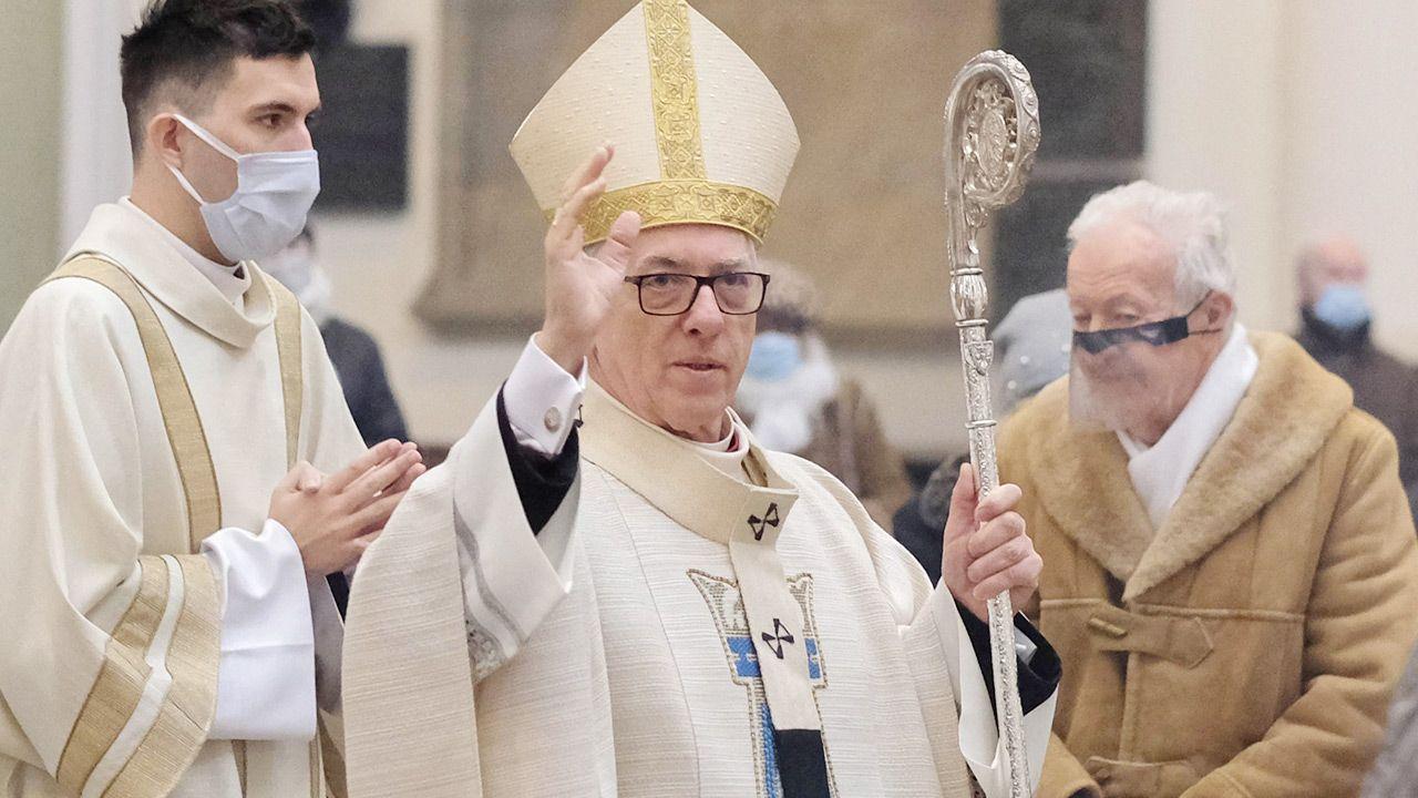 Arcybiskup Wiktor Skworc był honorowym obywatelem Tarnowa (fot. PAP/Andrzej Grygiel)