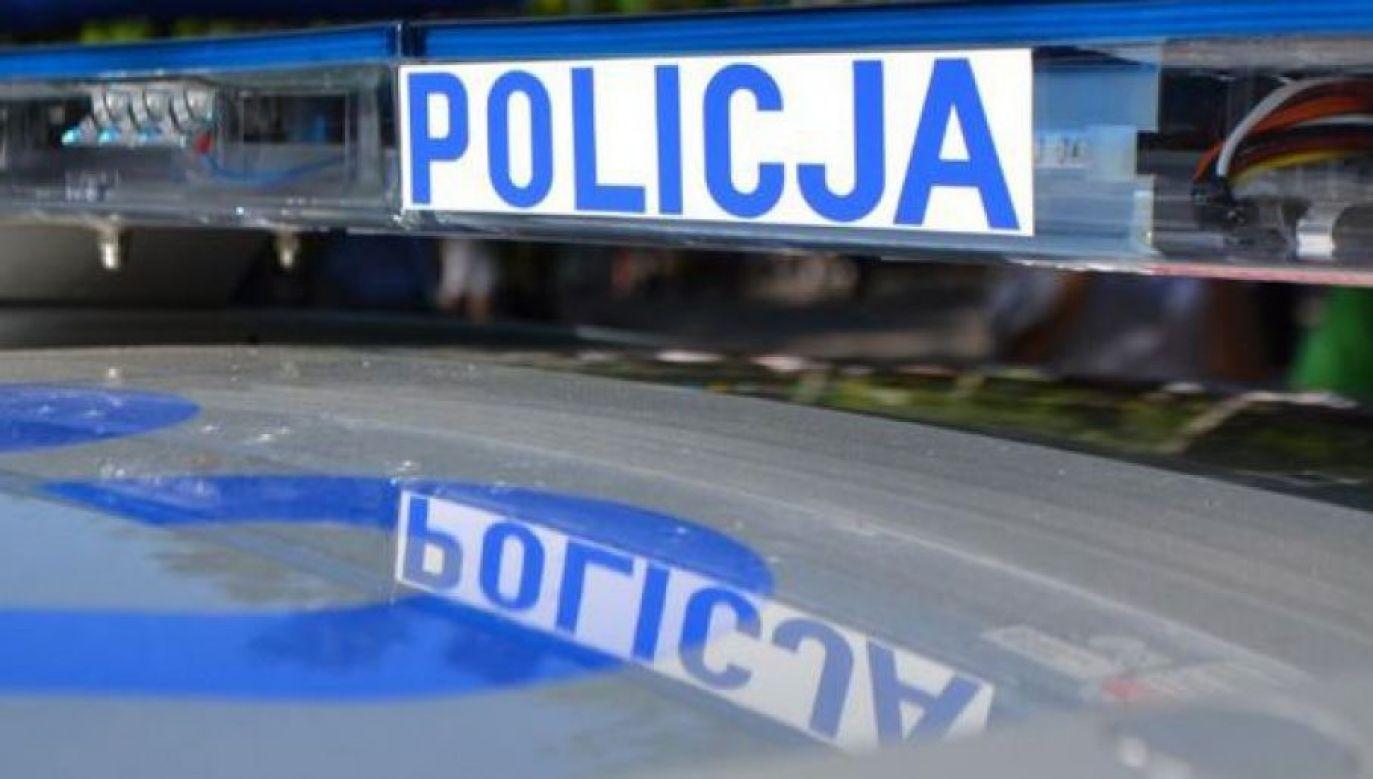 Kierujący motorowerem 81-latek tłumaczył funkcjonariuszom, że nie zauważył,  że uderzył w zderzak radiowozu (twitter/@PolicjaLubelska)