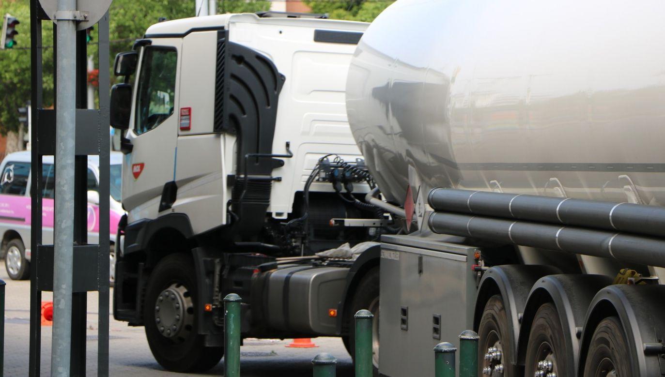 Od 1 września przedsiębiorcy, którzy chcą sprzedawać paliwa opałowe, głównie olej opałowy, muszą zarejestrować się na potrzeby podatku akcyzowego w specjalnym rejestrze Ministerstwa Finansów (fot. pixabay.com/boldogsa)