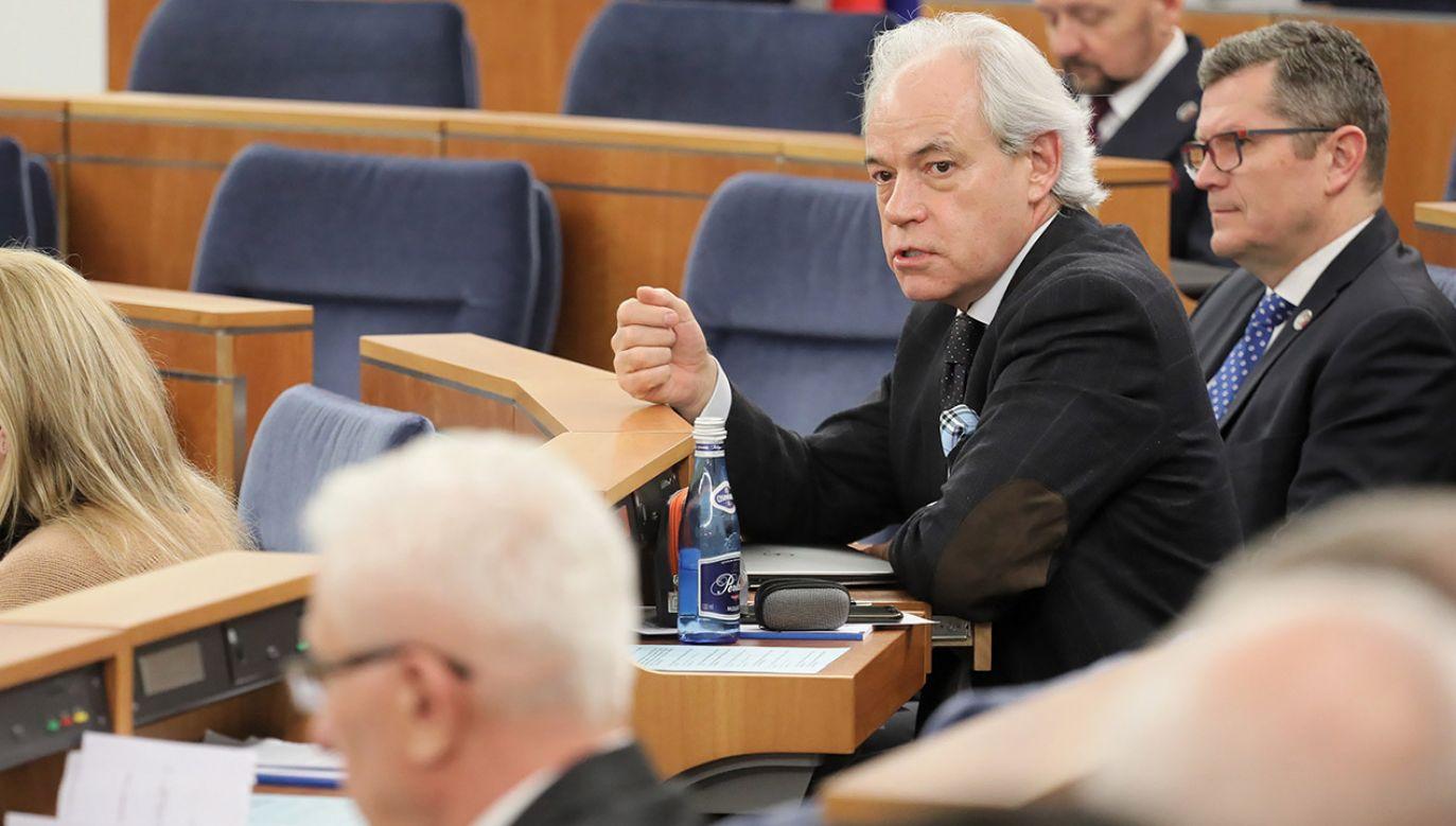 """Senator KO Adam Szejnfeld twierdzi, że odrzucone przez koalicję PO-PSL poprawki dotyczące onkologii to """"groszowe sprawy"""" (fot. arch.PAP/Paweł Supernak)"""