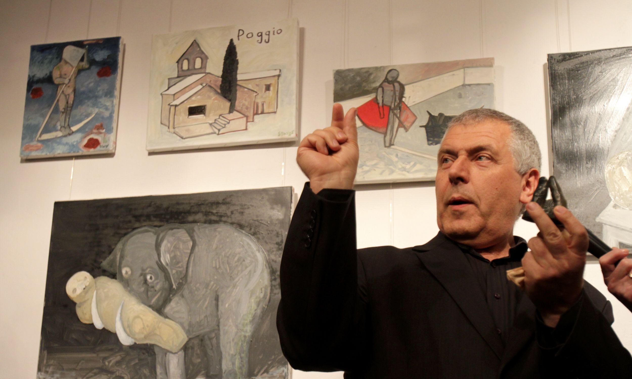 Chwile spędzone we Włoszech, Hiszpanii i Egipcie artysta utrwalił na pastelach, które w 2010 roku można było oglądać w warszawskiej Galerii Grafiki i Plakatu. Fot. PAP/Bartłomiej Zborowski