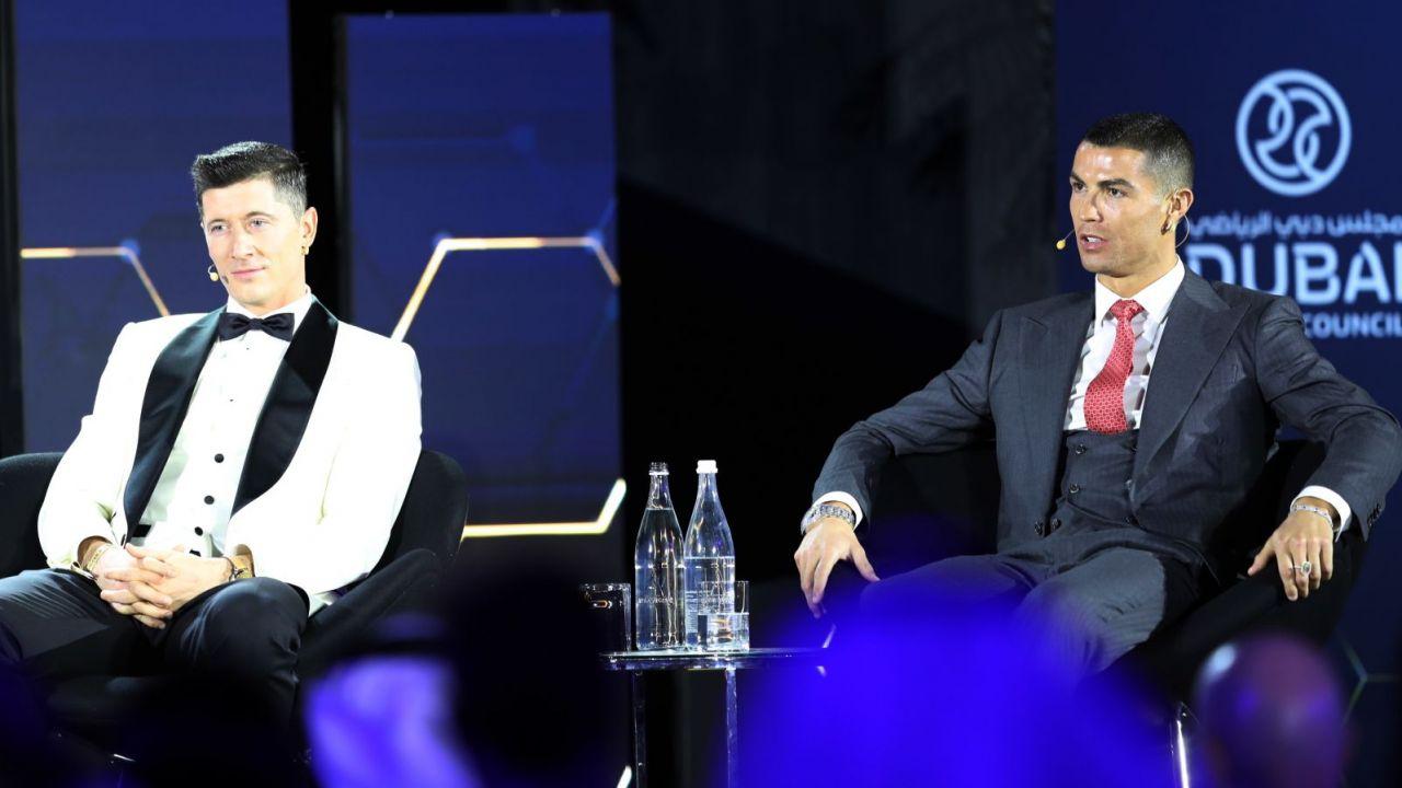 Globe Soccer Awards: Robert Lewandowski wygrał plebiscyt, choć więcej głosów miał Cristiano Ronaldo (sport.tvp.pl)