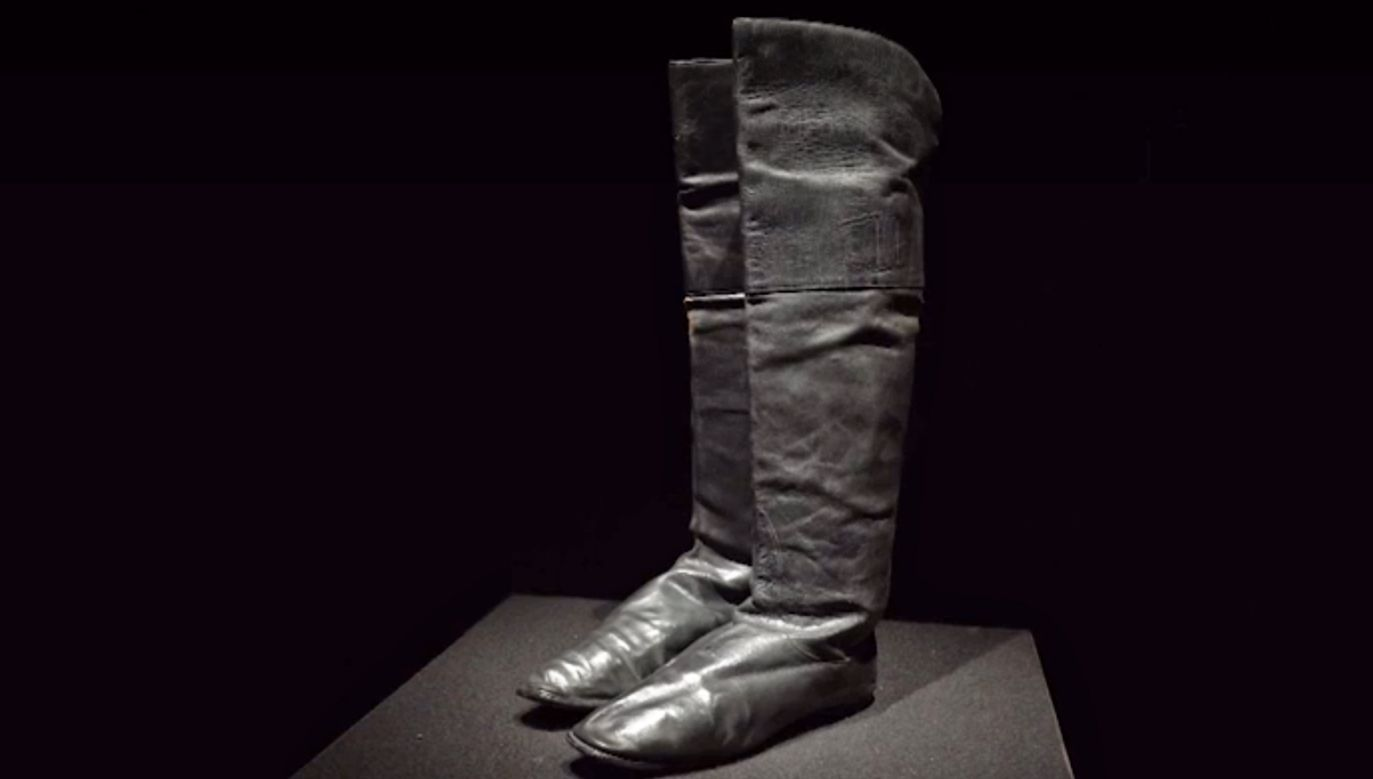 Czarne, skórzane buty Napoleona do konnej jazdy zostały sprzedane na aukcji (fot. reuters.com)