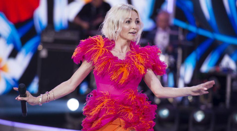 Ponad 20 lat po debiucie, artystka wciąż urzeka formą, świetnym wokalem i chwytliwymi kompozycjami. Jej piosenki na stałe wpisały się w kanon polskiej popkultury (fot. TVP)
