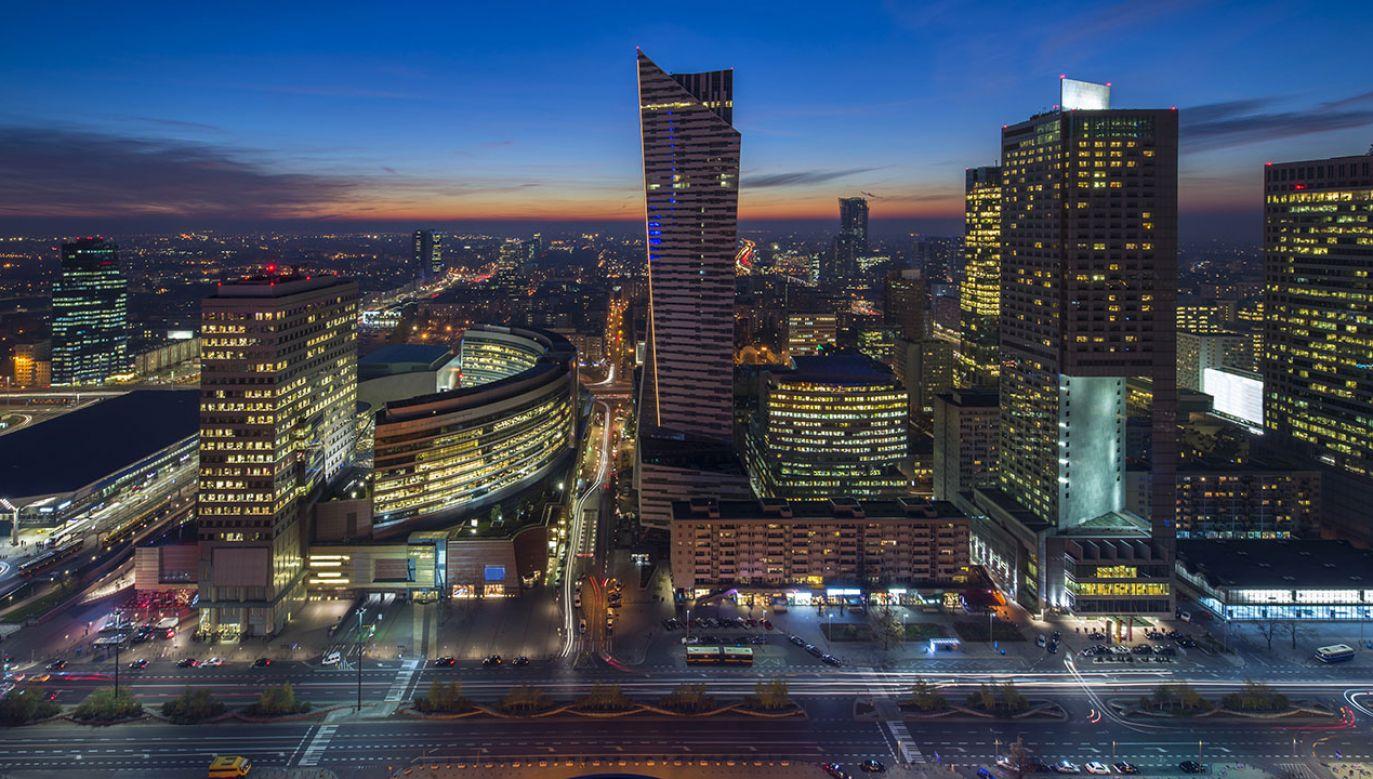 Organizacja Współpracy Gospodarczej i Rozwoju (OECD) podnosi prognozy wzrostu PKB dla Polski  (fot. Shutterstock/Cinematographer)