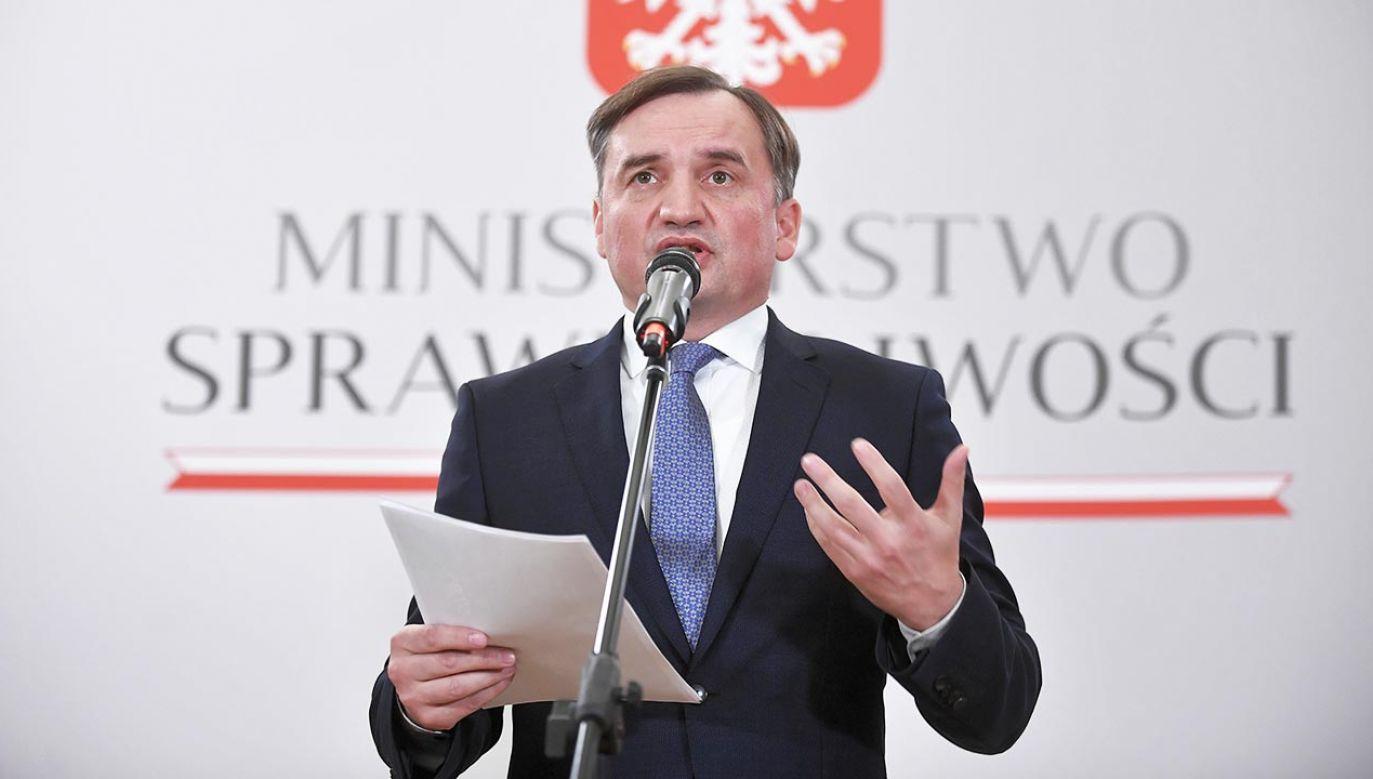 "Nie ma innej drogi jak ""twarde weto"" - uważa minister (fot. PAP/Marcin Obara)"
