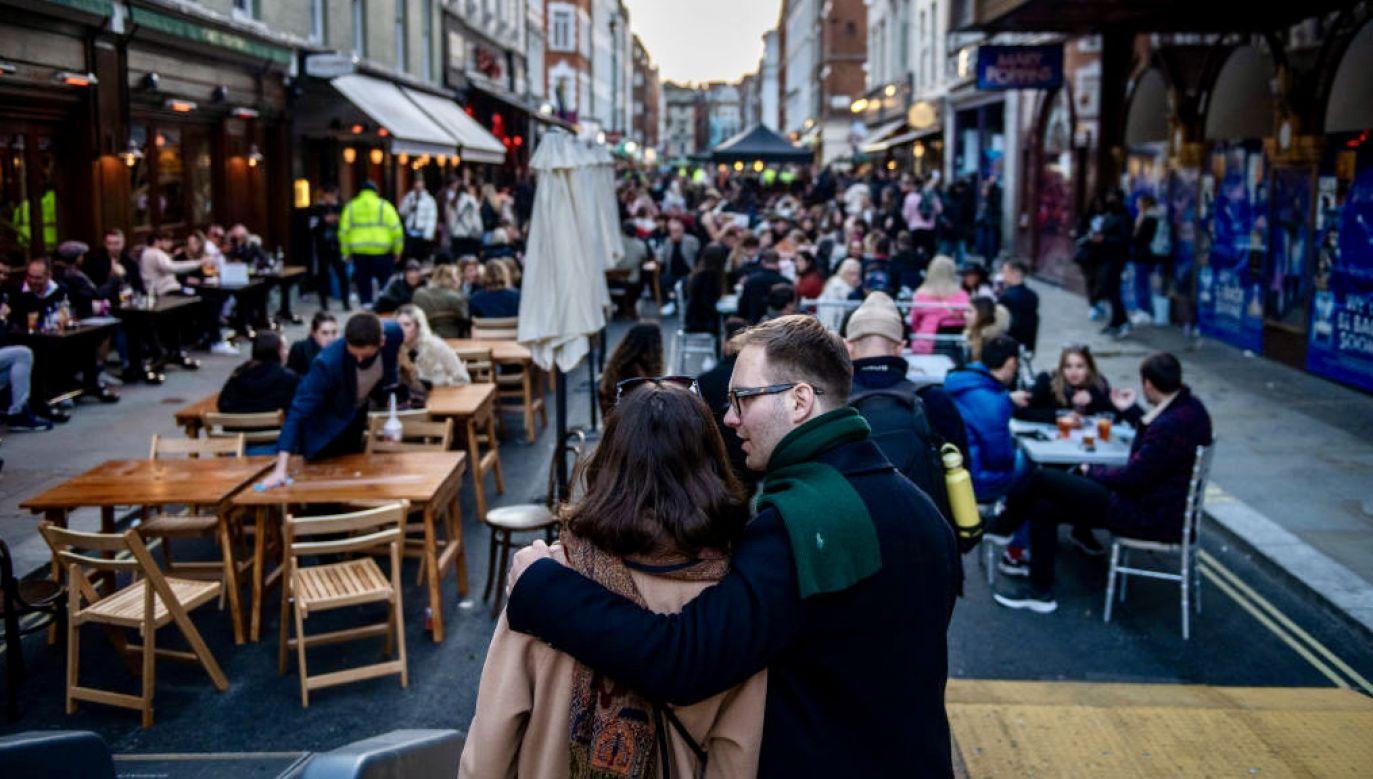 Ani jednego zgonu z powodu Covid-19 nie zanotowano w ciągu minionej doby w Anglii (fot. Chris J Ratcliffe/Getty Images)