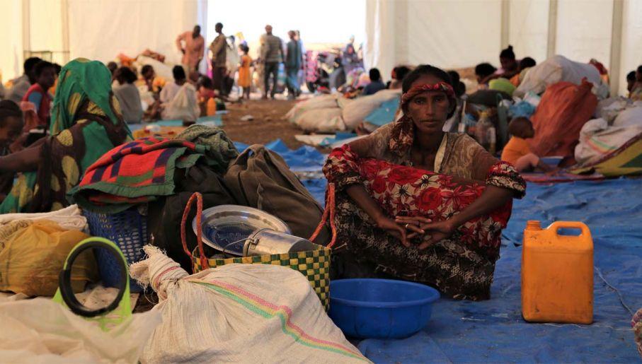 Tysiące osób uciekają z Tigraju (fot. PAP/EPA/LENI KINZLI / HANDOUT)