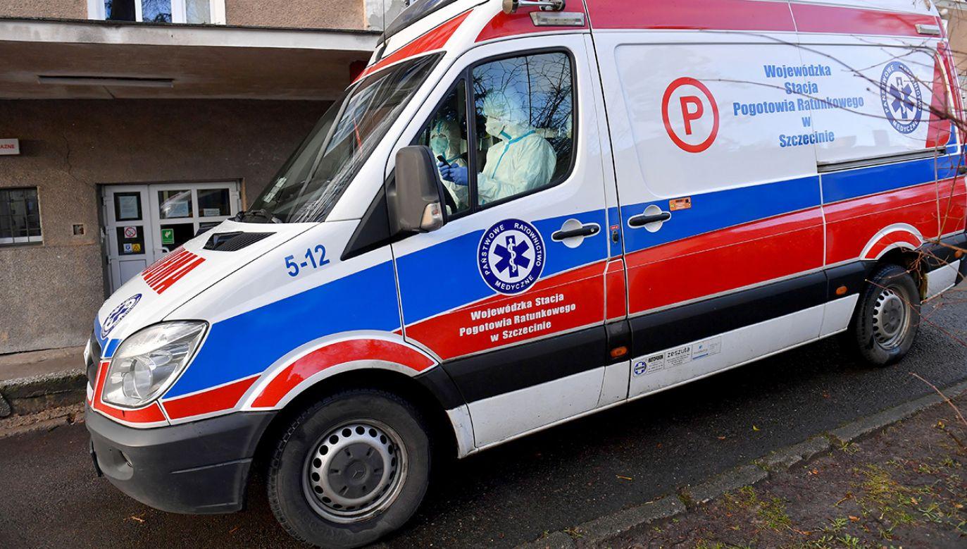 Nie chodzi tutaj o dobro ludzi, polskiej służby zdrowia – ocenił politolog (fot. arch.PAP/Marcin Bielecki)