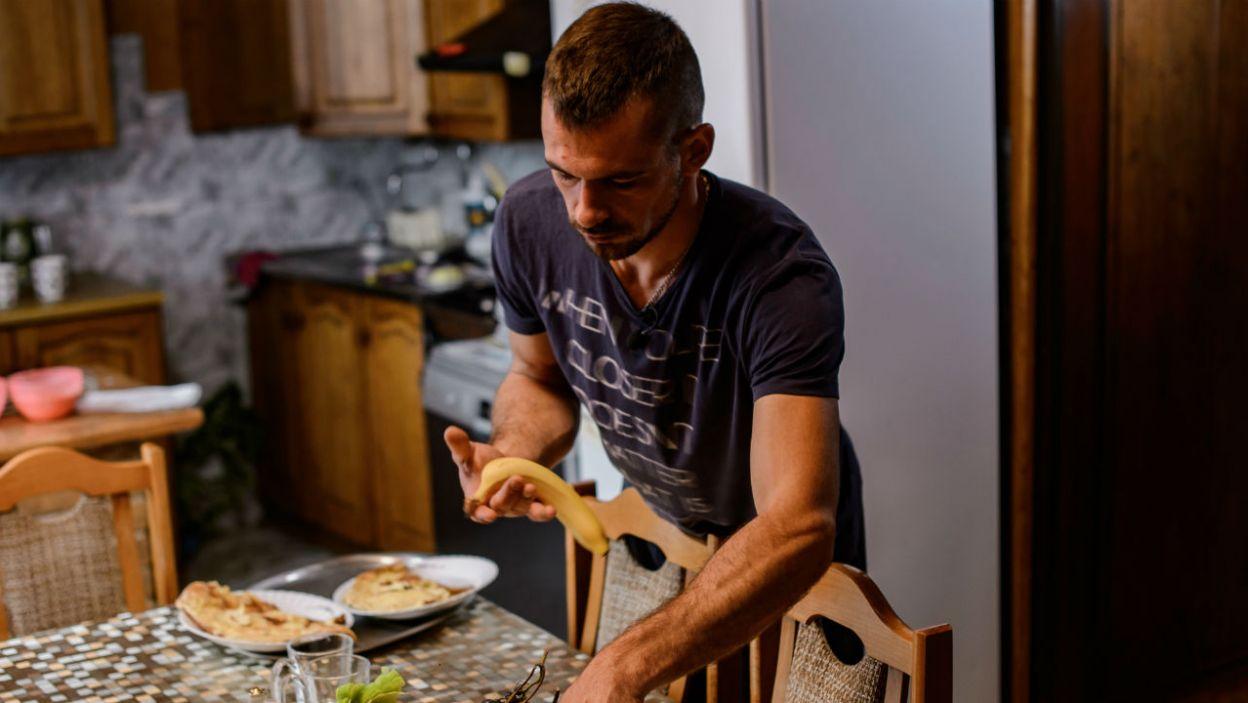 – Gdybyś przyniósł talerz, sztućce i tak ze mną na pół? – kokieteryjnie zaproponowała Agata (fot. P. Matey/TVP)