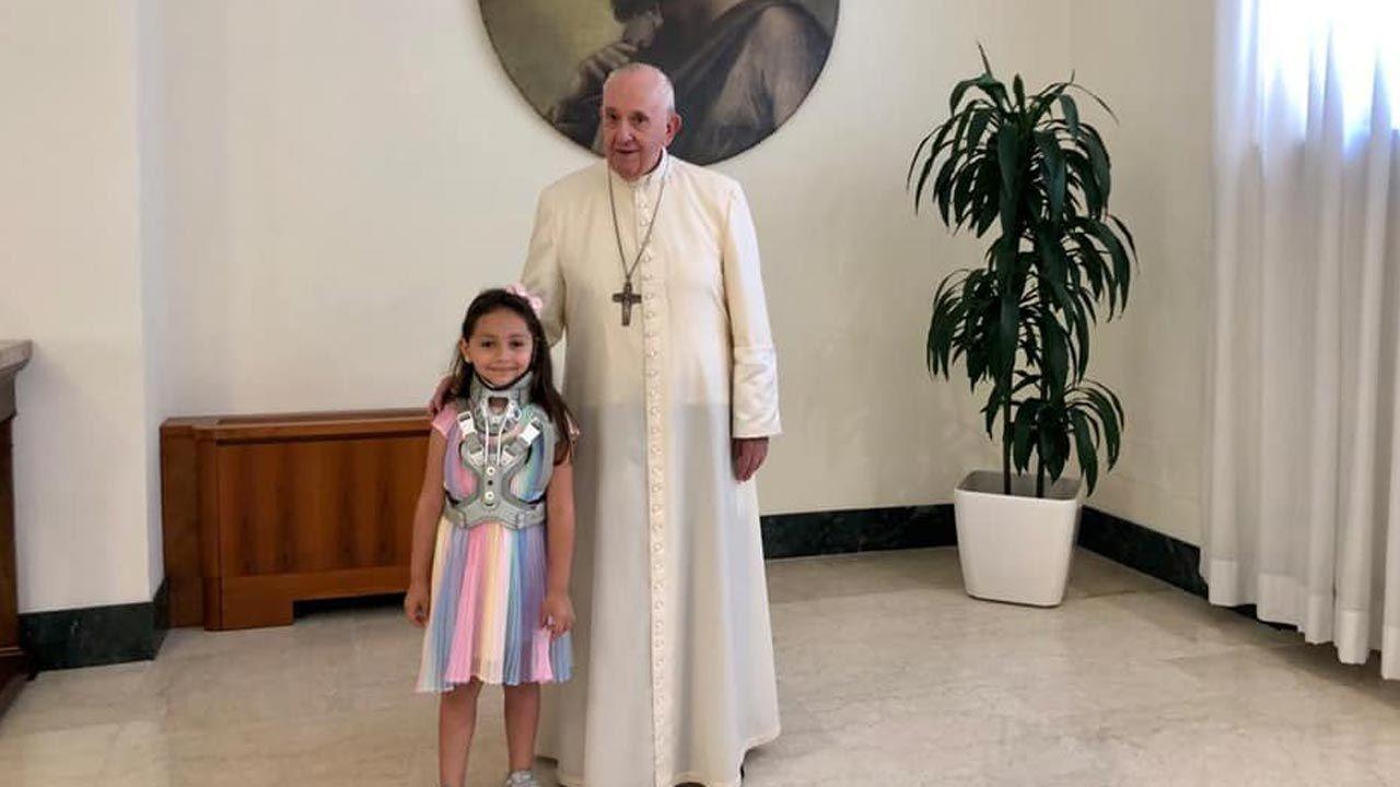 Noemi spotkała się z papieżem Franciszkiem (fot. Facebook/Tania Esposito)