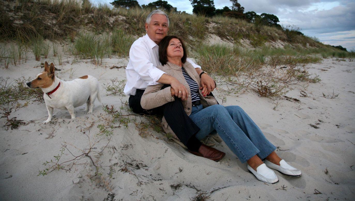 Lula była z Marią i Lechem Kaczyńskimi 10 lat. Nie opuszczała pary prezydenckiej, spędzali razem czas także w ośrodku w Juracie i tamtejszej na plaży. Fot. Maciej Chojnowski/KPRP