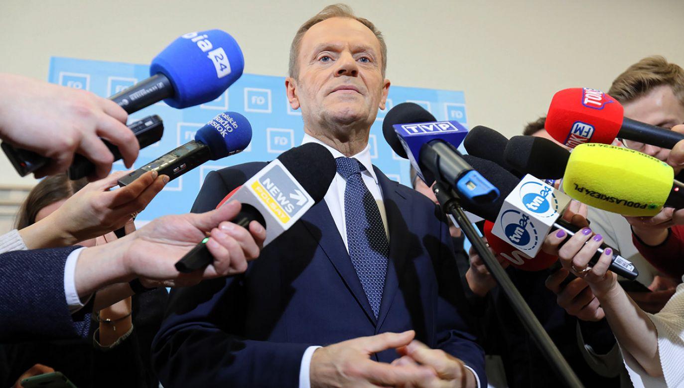 Były premier Donald Tusk zapowiada pełne wsparcie dla Małgorzaty Kidawy-Błońskiej w kampanii prezydenckiej. (fot. PAP/Artur Reszko)