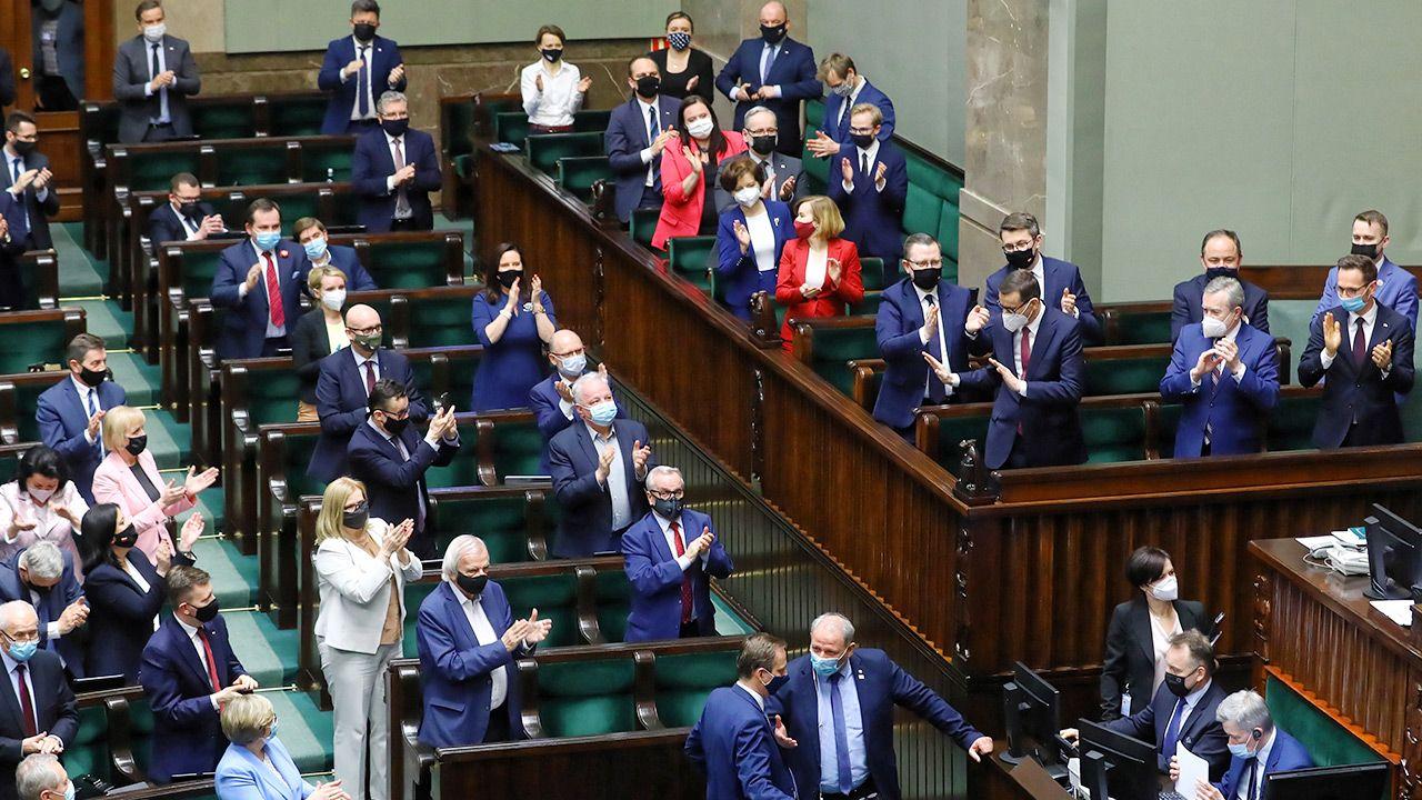 Do Sejmu weszłoby pięć partii (fot. PAP/Rafał Guz)