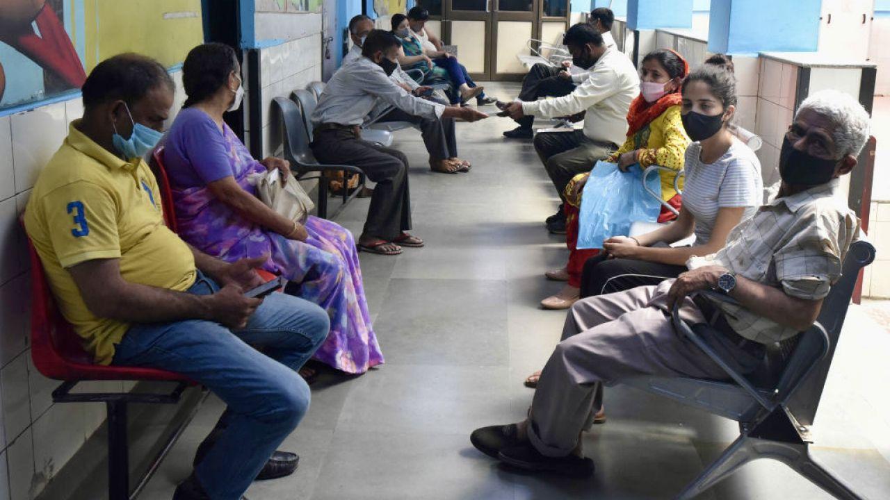 Decyzja rządu jest odpowiedzią na drugą falę koronawirusa w Indiach (fot. Sonu Mehta/Hindustan Times/Getty Images)