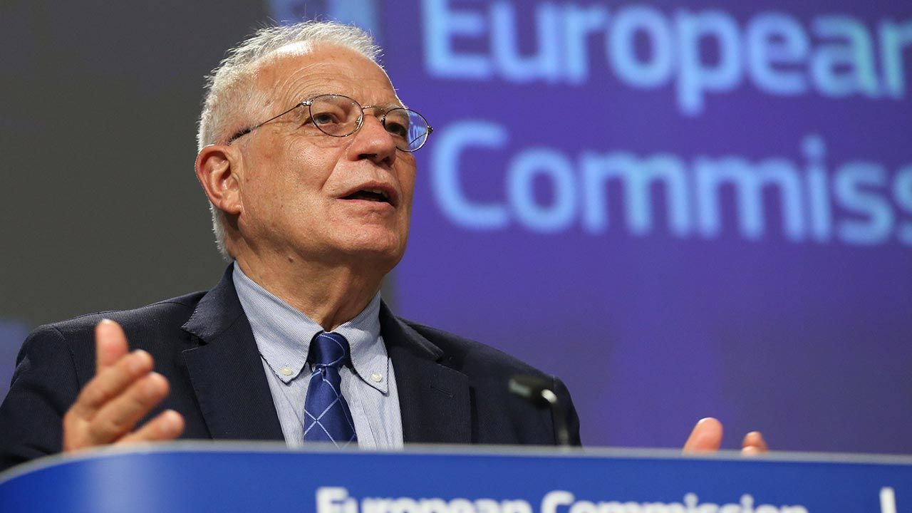 Rosja musi zaprzestać działań, które zagrażają bezpieczeństwu i stabilności w Europie – wskazał Josep Borrell  (fot. Pool/Getty Images)