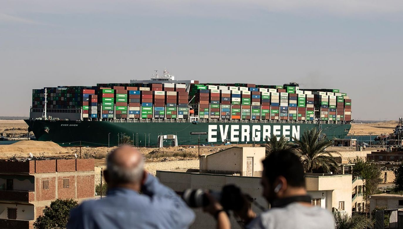 Kontenerowiec Ever Given (fot. Mahmoud Khaled/Getty Images)
