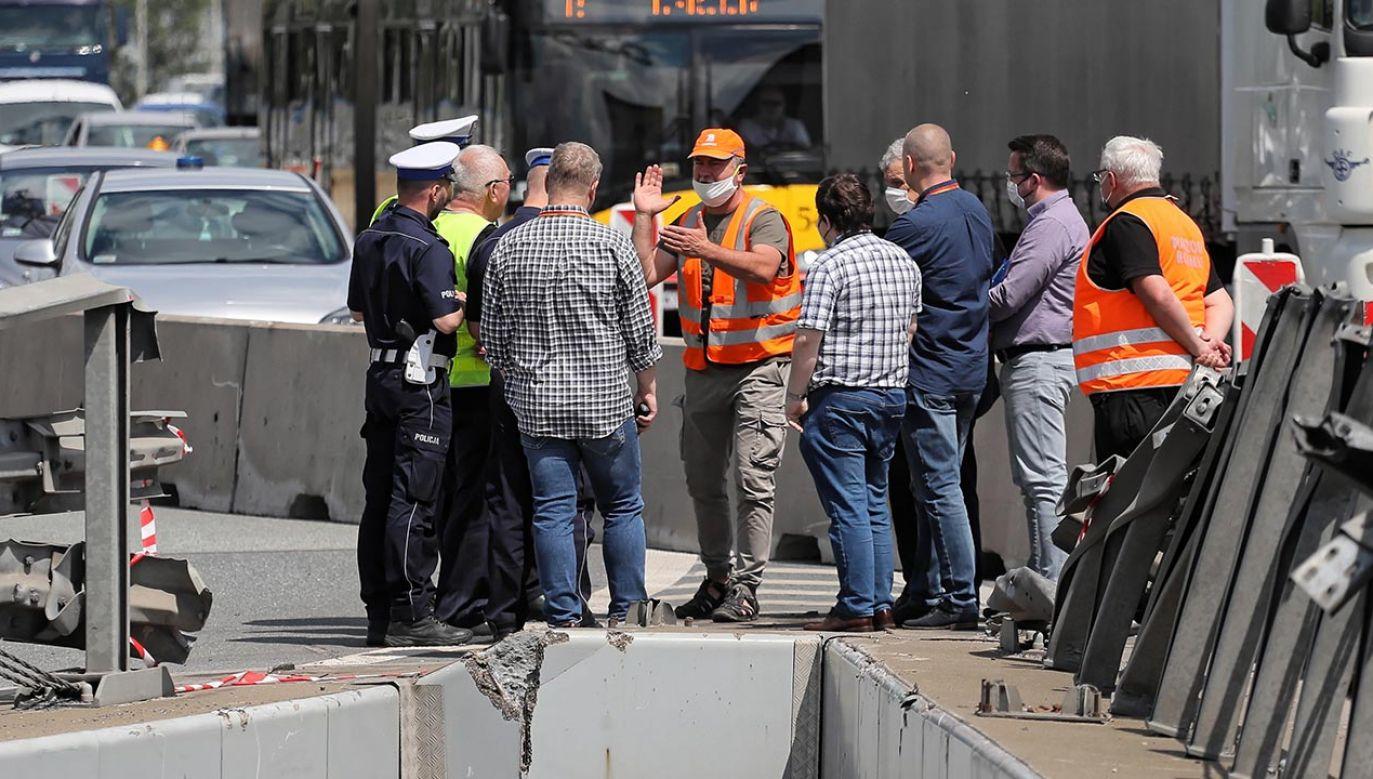 Celem komisji jest lustracja obszaru wypadku (fot. PAP/Paweł Supernak)