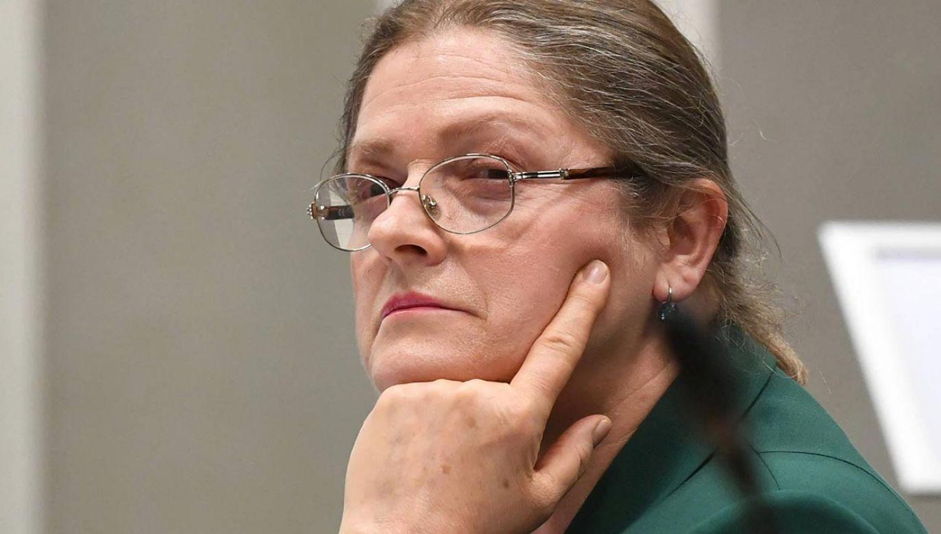 Sędzia zwraca uwagę na ustne motywy wyroku (fot. PAP/Radek Pietruszka)