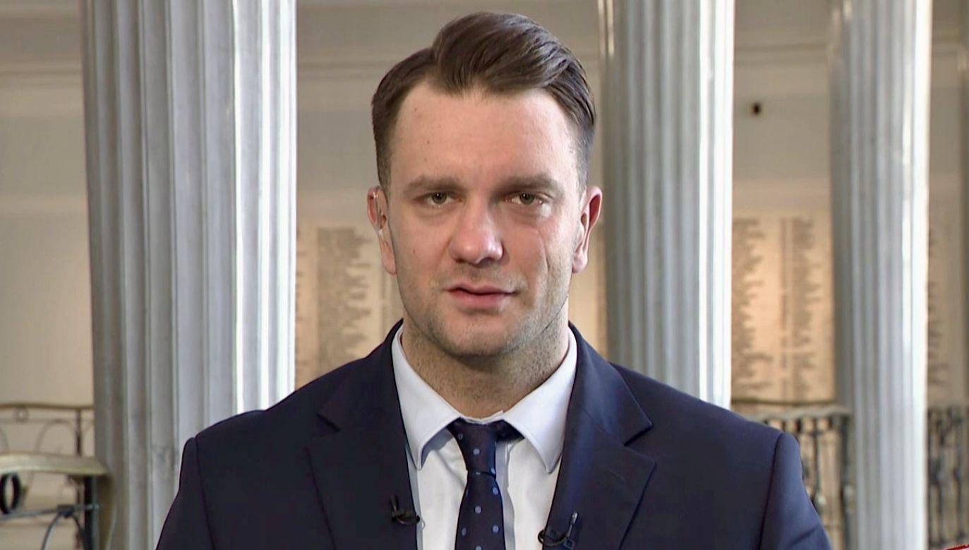 Poseł Łukasz Mejza (fot. TVP Info)
